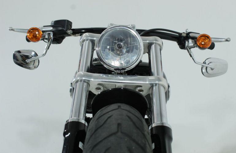 Harley-Davidson Softail Breakout - Foto #10