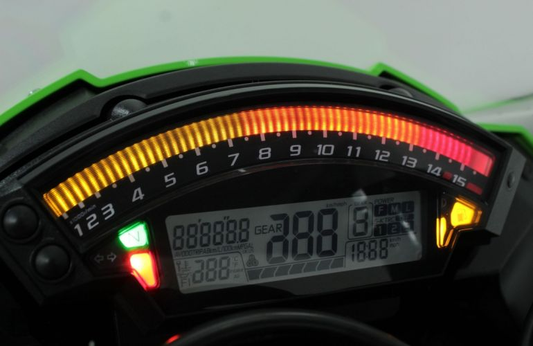 Kawasaki Ninja Zx 10R - Foto #9