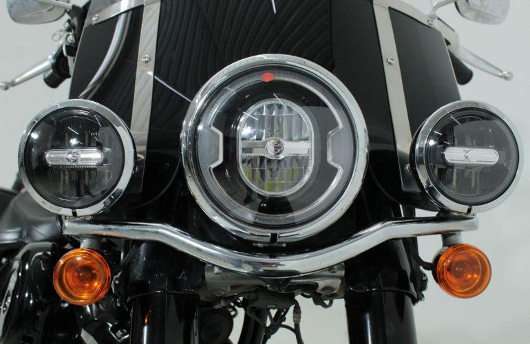Harley-Davidson Heritage Softail Classic - Foto #10