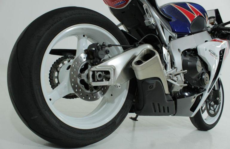 Honda Cbr 1000rr Fireblade - Foto #6