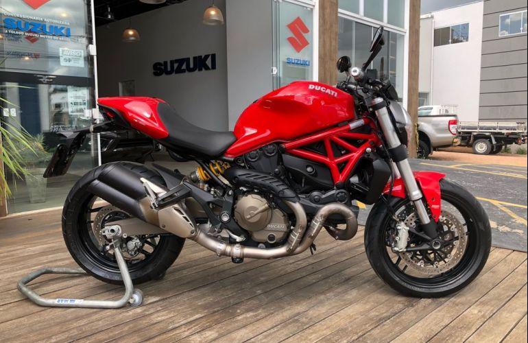 Ducati Monster 821 - Foto #1