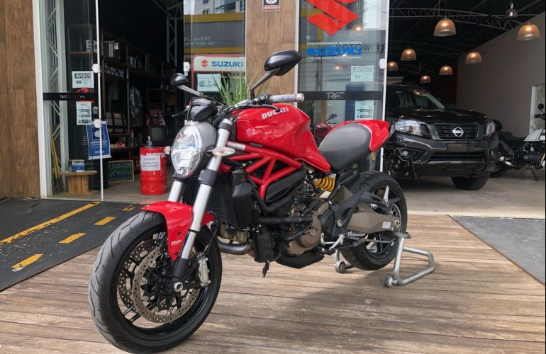 Ducati Monster 821 - Foto #4