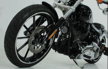 Harley-Davidson Softail Breakout - Foto #5