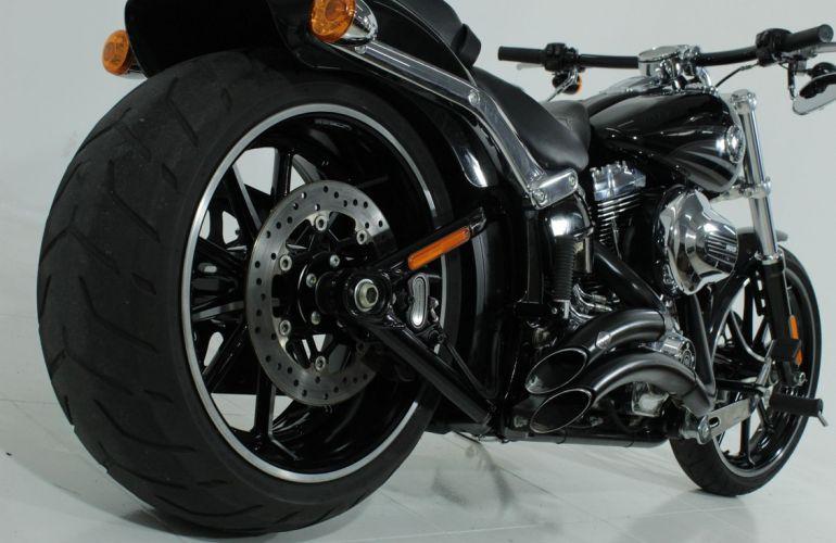 Harley-Davidson Softail Breakout - Foto #6