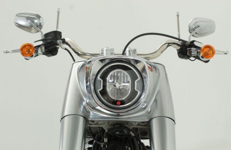 Harley-Davidson Softail Fat Bob 107 - Foto #9