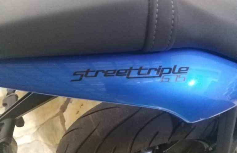 Triumph Street Triple 675 (ABS) - Foto #6