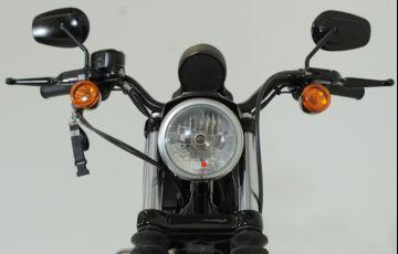 Harley-Davidson Sportster Iron 883 - Foto #10