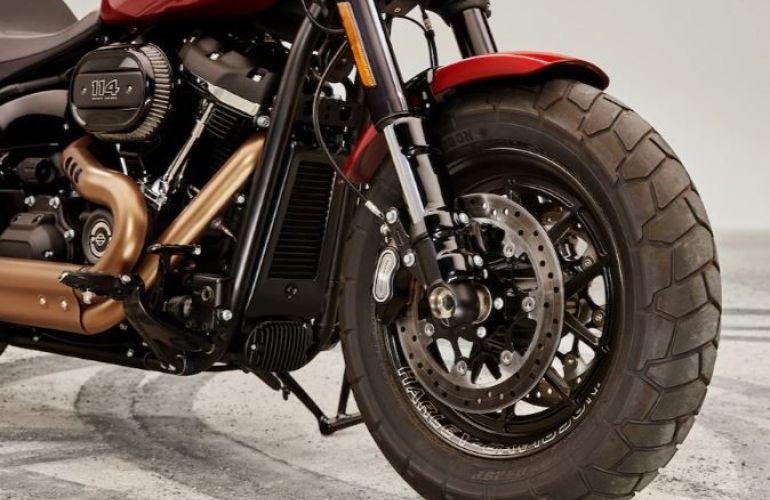 Harley-Davidson Softail Fat Bob 114 - Foto #3