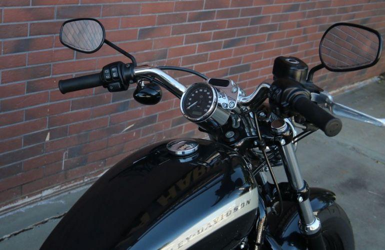 Harley-Davidson Sportster 1200 Custom - Foto #3