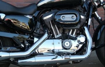 Harley-Davidson Sportster 1200 Custom - Foto #5