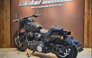 Harley-Davidson Dyna Fat Bob 114 - Foto #4