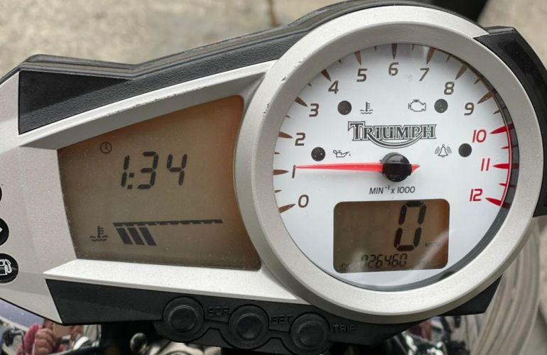 Triumph Speed Triple 1050i - Foto #8
