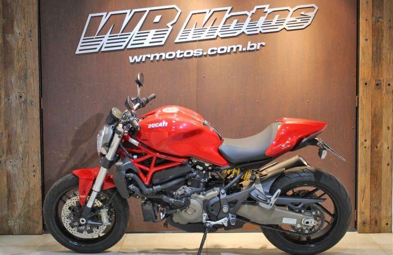 Ducati Monster 821 - Foto #2