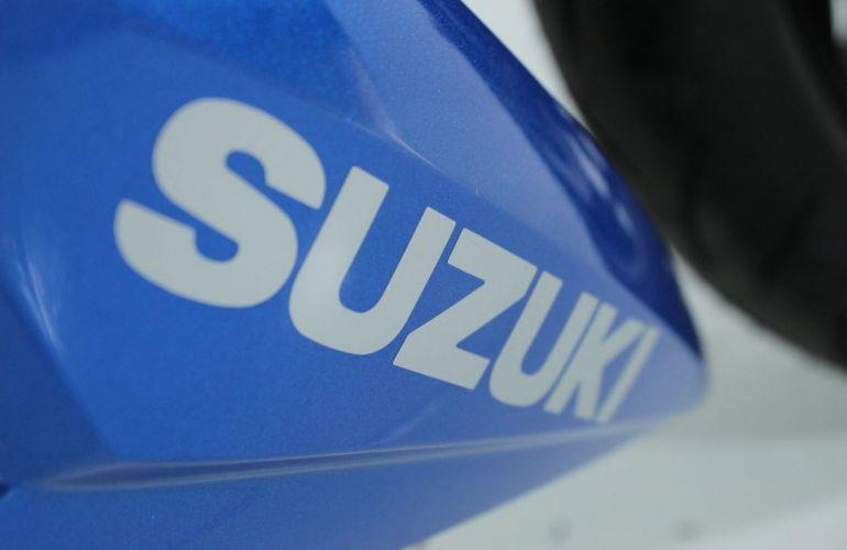 Suzuki Gsx S 750a - Foto #9