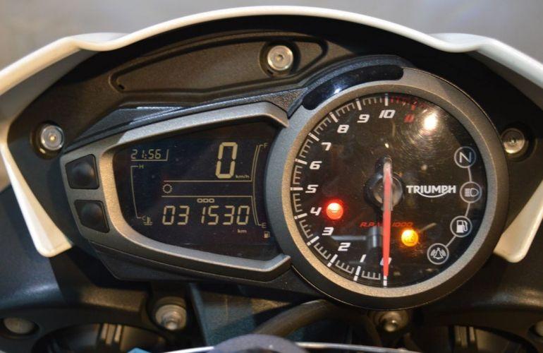 Triumph Speed Triple R - Foto #5