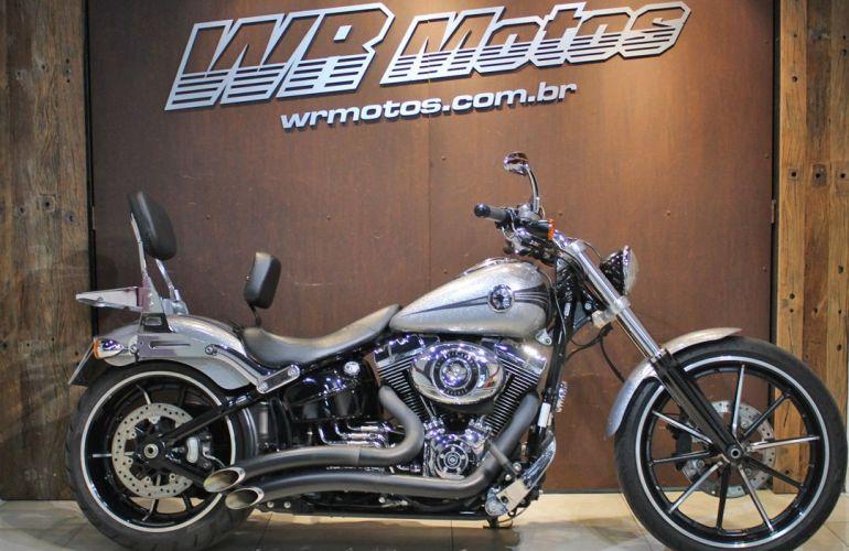 Harley-Davidson Softail Breakout - Foto #1