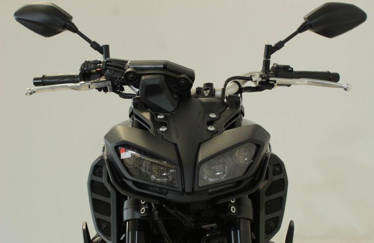 Yamaha MT 09 - Foto #10