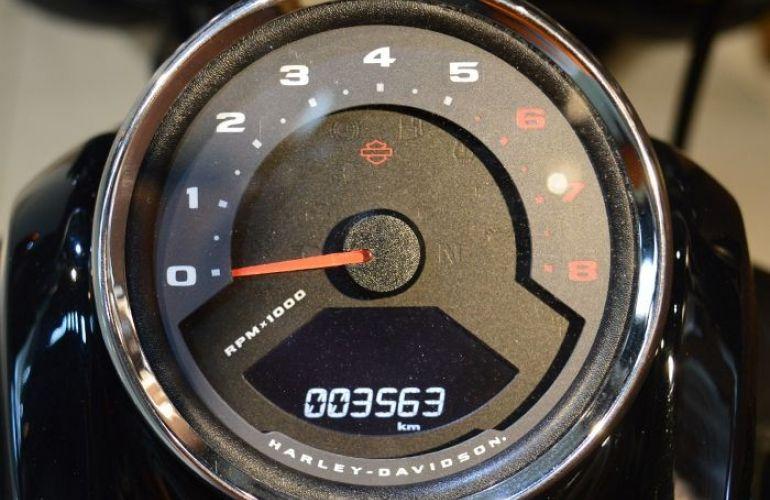 Harley-Davidson Softail Fat Bob 114 - Foto #5