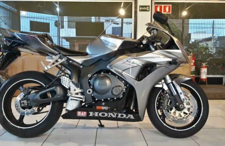Honda Cbr 1000rr - Foto #1
