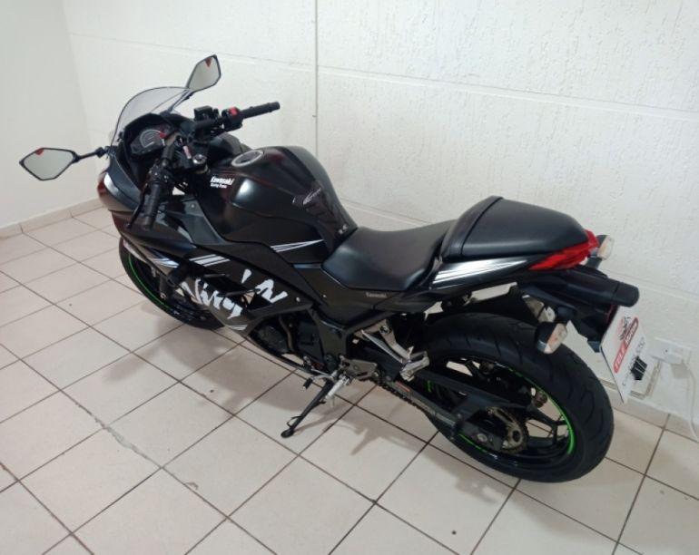 Kawasaki Ninja 300 - Foto #4