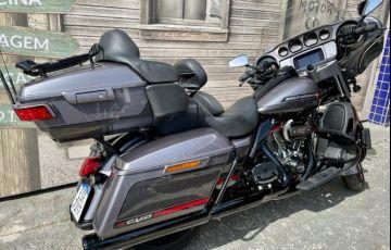 Harley-Davidson Cvo Limited - Foto #3