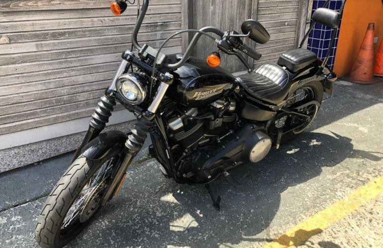 Harley-Davidson Softail Street Bob - Foto #10