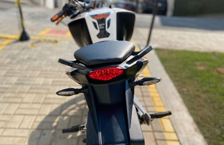 KTM Duke 390 - Foto #9